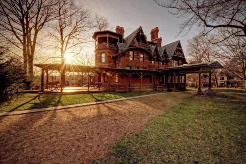 Twain - Sunset Mark Twain House